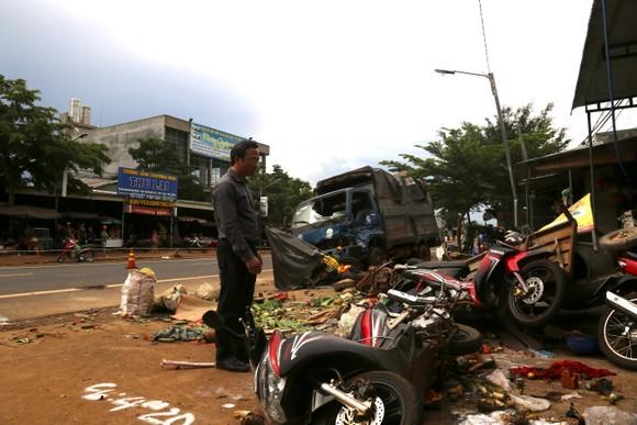 Tài xế gây vụ tai nạn liên hoàn ở Đắk Nông khai do xe mất thắng nên tông các xe cùng chiều để dừng lại ảnh 3