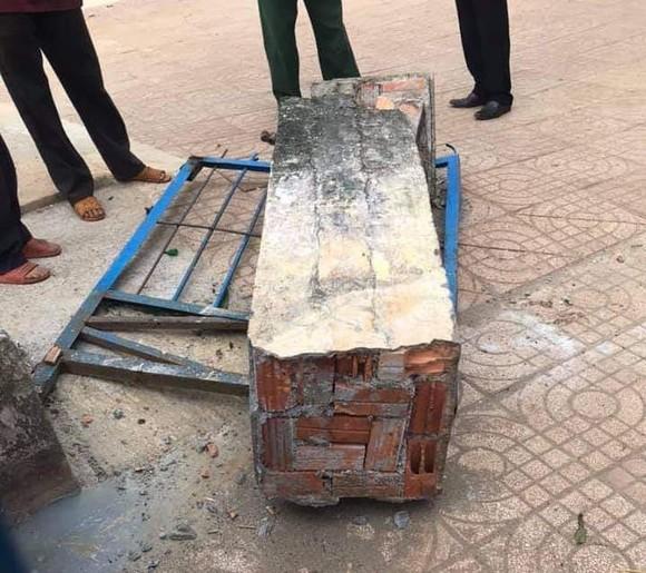 Vụ sập cổng trường ở Đắk Nông: Rà soát lại tất cả các công trình trường học ảnh 2
