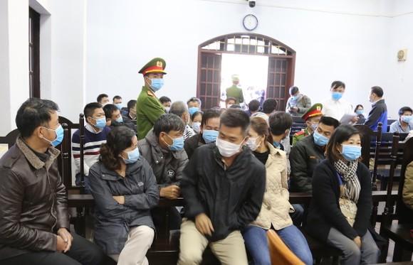 Hoãn xét xử Trịnh Sướng vì 3 bị cáo vắng mặt ảnh 3