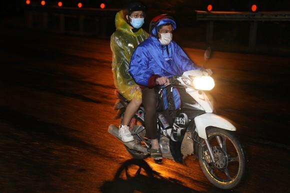 Đồng Nai hộ tống 900 công nhân đi xe máy về Đắk Lắk ảnh 2