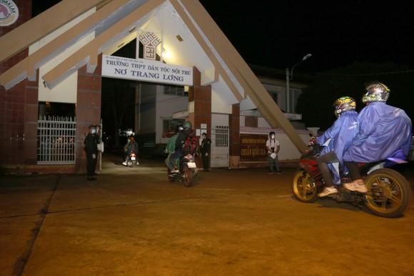 Đồng Nai hộ tống 900 công nhân đi xe máy về Đắk Lắk ảnh 6
