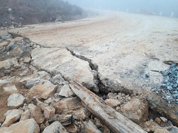 Đoạn đường gần 750 tỷ đồng tan nát sau 1 năm 3 tháng thông tuyến ảnh 1