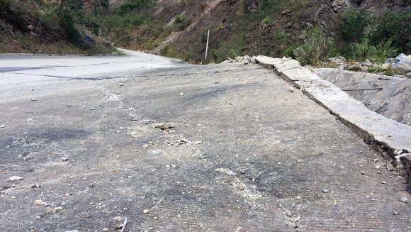 Đoạn đường gần 750 tỷ đồng tan nát sau 1 năm 3 tháng thông tuyến ảnh 3