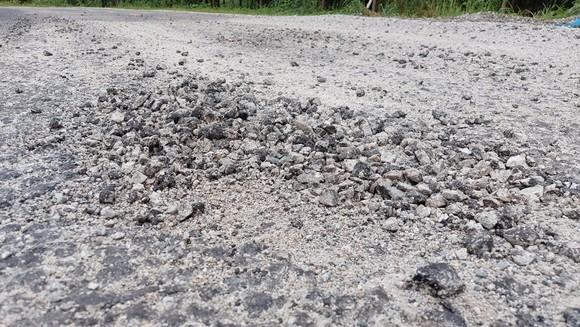 Vụ 'Quốc lộ chưa hết bảo hành đã hư nhiều chỗ': Sửa chữa trước ngày 30-9 ảnh 3
