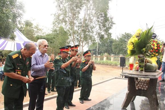 Khánh thành Bia tưởng niệm liệt sĩ Trung đoàn 174 hy sinh tại Đắk Tô - Tân Cảnh  ảnh 3