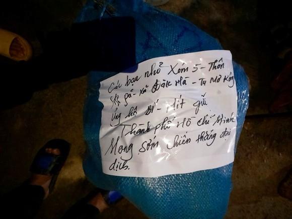 Đồng bào Xê Đăng lên rừng hái măng ủng hộ người dân TPHCM ảnh 2