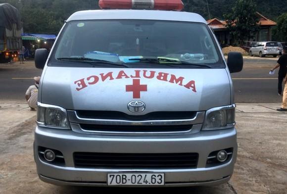 Tạm giữ tài xế xe cấp cứu vì vi phạm phòng chống dịch Covid-19 ảnh 1