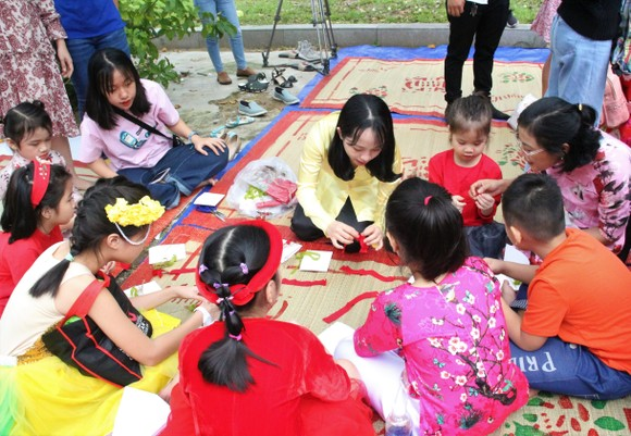 Đà Nẵng tái hiện phiên chợ ngày Tết nhân dịp Xuân Canh Tý 2020 ảnh 2