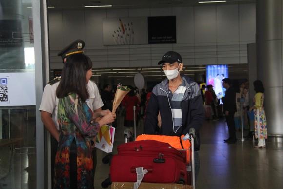Đà Nẵng cách ly 12 người bị sốt trong đó có 7 người Trung Quốc ảnh 1