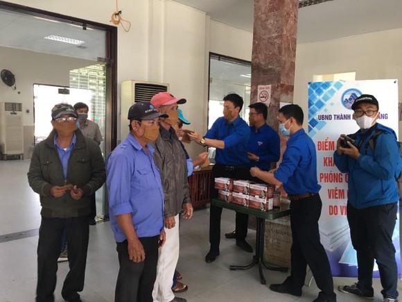 Đà Nẵng: Thêm 16 trường hợp nghi ngờ nhiễm nCoV xuất viện ảnh 1