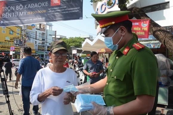 Đà Nẵng: Thêm 16 trường hợp nghi ngờ nhiễm nCoV xuất viện ảnh 2