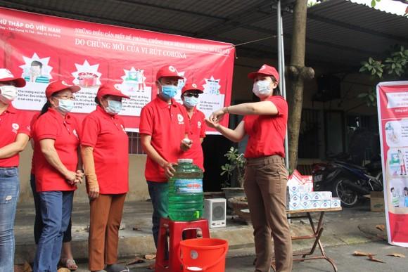 Đà Nẵng: Hơn 10.000 hộ gia đình khó khăn được hỗ trợ phòng chống Covid-19 ảnh 3