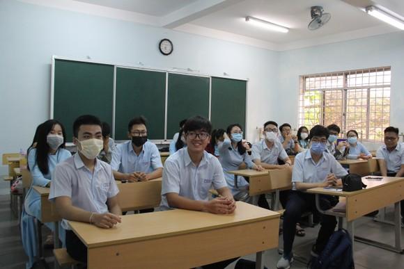 Đà Nẵng: Tăng cường các hoạt động chống dịch Covid-19 khi học sinh đi học  ảnh 4