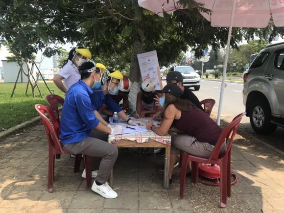 Hơn 1200 tình nguyện viên Đà Nẵng tham gia phòng, chống dịch Covid-19 ảnh 1