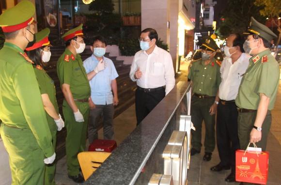 Hơn 1200 tình nguyện viên Đà Nẵng tham gia phòng, chống dịch Covid-19 ảnh 6