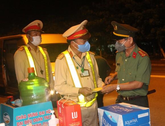 Hơn 1200 tình nguyện viên Đà Nẵng tham gia phòng, chống dịch Covid-19 ảnh 7