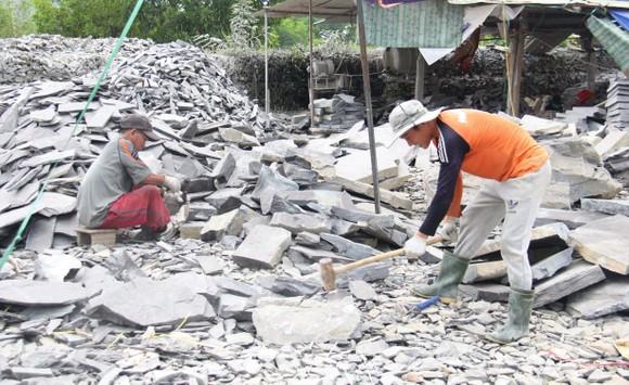 Gỡ khó cho sự phát triển làng nghề đá Hòa Sơn ảnh 3