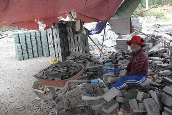 Gỡ khó cho sự phát triển làng nghề đá Hòa Sơn ảnh 5