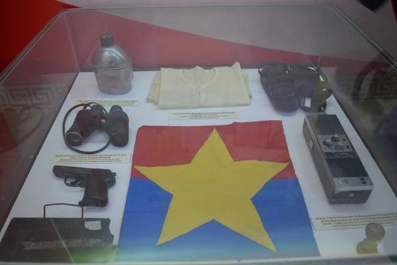 Trưng bày hơn 500 ảnh tư liệu, hiện vật tại triển lãm '75 năm Công an nhân dân' ảnh 4