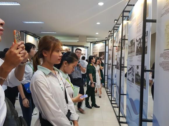 Hơn 200 tài liệu tại triển lãm 'Đô thị biển Đà Nẵng qua tài liệu lưu trữ' ảnh 4