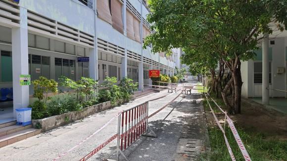 Người đàn ông 57 tuổi ở Đà Nẵng 3 lần dương tính SARS-CoV-2 có tiếp xúc nhiều người ảnh 3