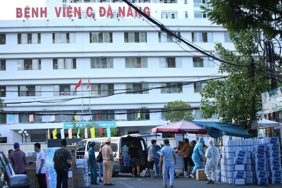 Đà Nẵng khẩn trương xây dựng Bệnh viện dã chiến tại Cung thể thao Tiên Sơn ảnh 1
