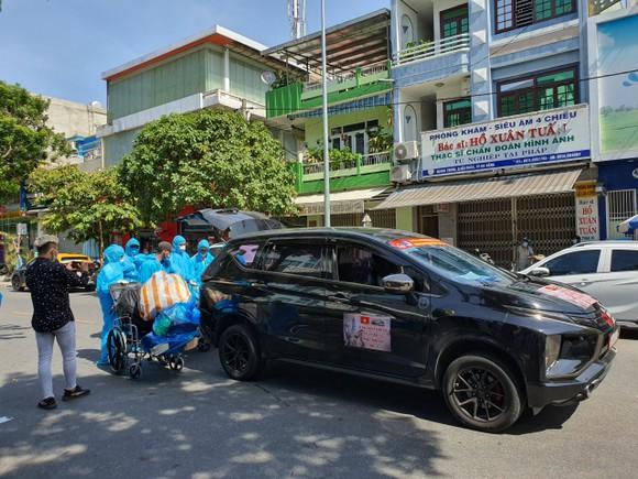 Hỗ trợ 117 bệnh nhân về nhà trên chuyến xe nghĩa tình 0 đồng ảnh 6