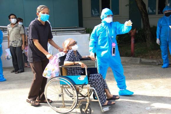 Ngày 26-8, Đà Nẵng cho xuất viện 34 bệnh nhân Covid-19  ảnh 10