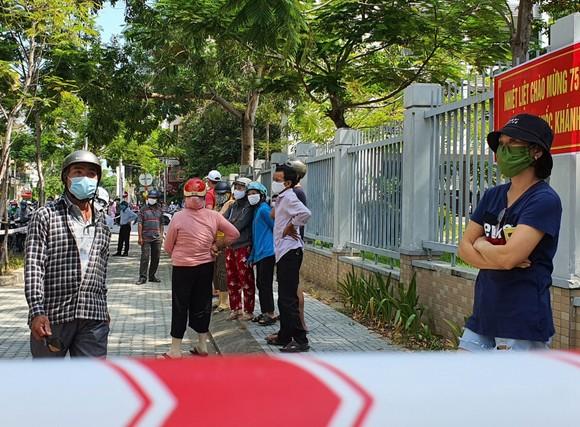Gần 11.400 thí sinh Đà Nẵng, Quảng Ngãi hoàn thành môn thi đầu tiên kỳ thi tốt nghiệp THPT đợt 2 ảnh 10