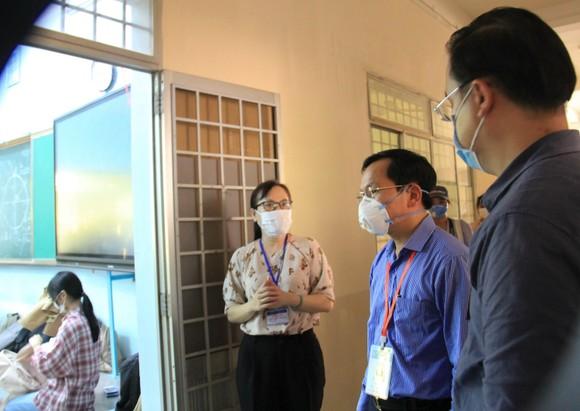 Đà Nẵng: Bộ GD-ĐT kiểm tra công tác tổ chức Kỳ thi tốt nghiệp THPT đợt 2 ảnh 8