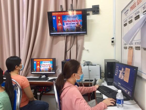Khai giảng trực tuyến tại vùng tâm dịch ảnh 1
