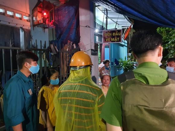 Đà Nẵng vận động sơ tán người dân đến nơi trú ẩn an toàn  ảnh 8