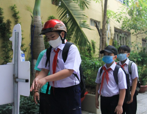 Đà Nẵng: Học sinh tiểu học, trẻ mầm non quay lại trường sau dịch bệnh ảnh 3