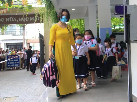 Đà Nẵng: Học sinh tiểu học, trẻ mầm non quay lại trường sau dịch bệnh ảnh 7