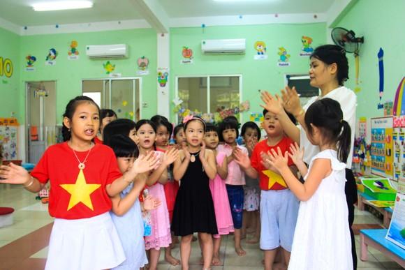 Đà Nẵng: Học sinh tiểu học, trẻ mầm non quay lại trường sau dịch bệnh ảnh 15
