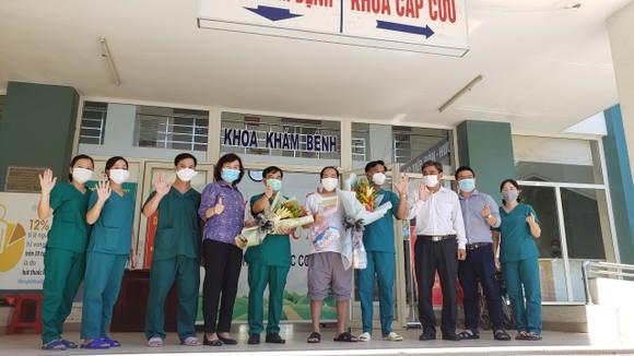 bệnh nhân cuối cùng mắc Covid-19 của thành phố Đà Nẵng được xuất viện