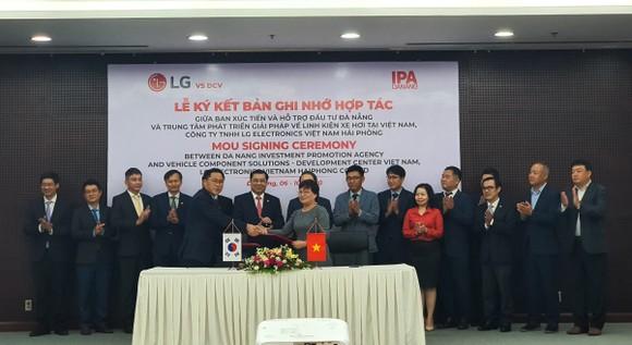 Lễ ký kết Bản ghi nhớ hợp tác giữa Ban Xúc tiến và Hỗ trợ đầu tư TP Đà Nẵng với Trung tâm phát triển Giải pháp về linh kiện xe hơi tại Việt Nam