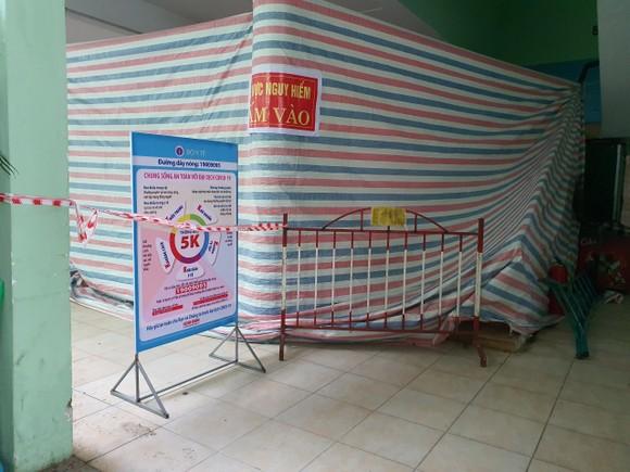 Đà Nẵng di dời học sinh khỏi trường học có nhà bên cạnh bị nghiêng ảnh 2