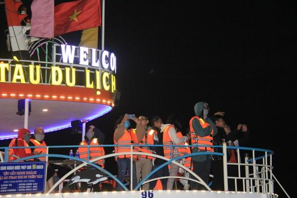 Thưởng ngoạn sông Hàn trong dịp tết dương lịch năm 2021 ảnh 6