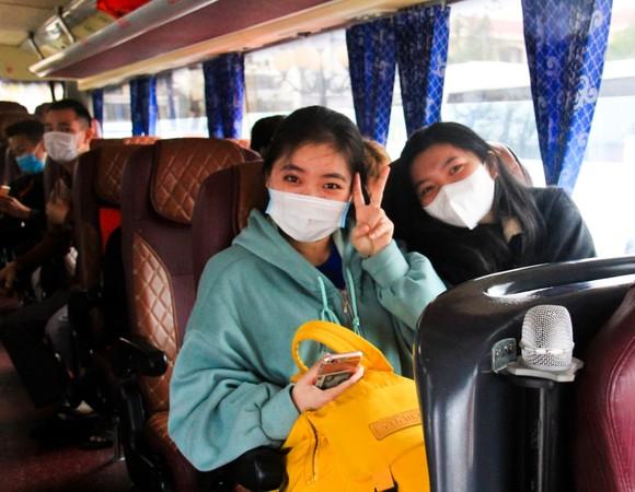Đà Nẵng hỗ trợ xe đưa 3.000 lao động về quê đón tết ảnh 8