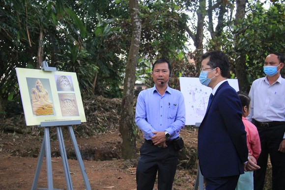 Trao bằng xếp hạng di tích cấp thành phố Di chỉ khảo cổ Chăm Phong Lệ ảnh 1