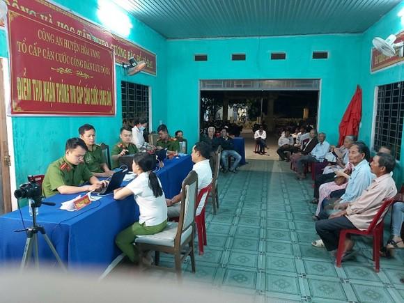Đà Nẵng: Những bữa ăn phục vụ tổ lưu động làm căn cước công dân ảnh 3