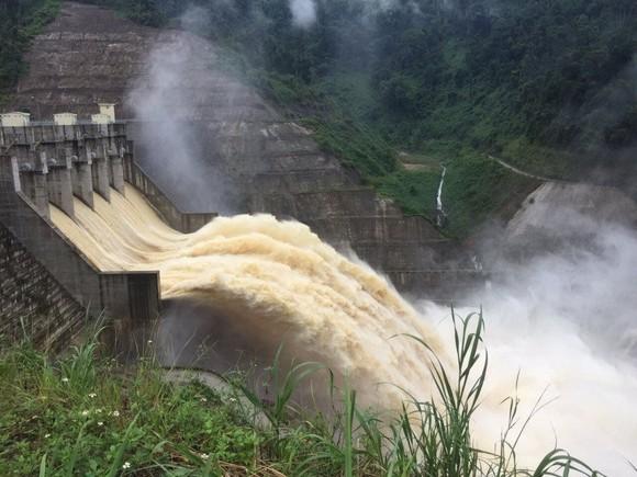 Sở TN-MT TP Đà Nẵng yêu cầu chủ hồ thủy điện Sông Bung 4 phải bảo đảm vận hành xả nước liên tục về hạ du không ít hơn 12 giờ/ngày
