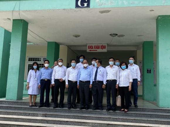 Chủ tịch nước Nguyễn Xuân Phúc: Nếu khủng hoảng ngành y tế, sẽ dẫn đến khủng hoảng nền kinh tế ảnh 2