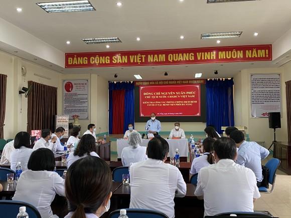 Chủ tịch nước Nguyễn Xuân Phúc: Nếu khủng hoảng ngành y tế, sẽ dẫn đến khủng hoảng nền kinh tế ảnh 1