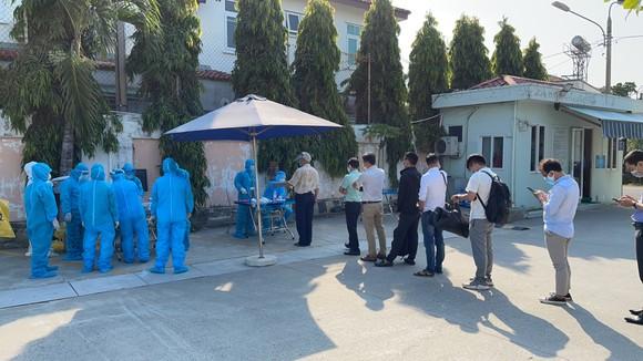 Đà Nẵng: Hơn 30 ca nghi mắc Covid-19, xét nghiệm 8.000 người tại Khu công nghiệp An Đồn ảnh 1