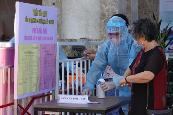 Đà Nẵng: Diễn tập bầu cử tại khu vực phong toả chung cư F-Home ảnh 6