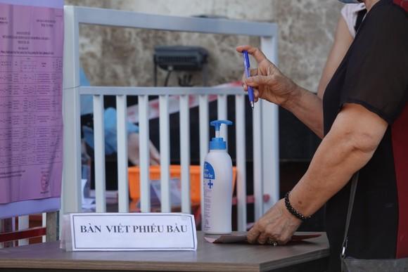 Đà Nẵng: Diễn tập bầu cử tại khu vực phong toả chung cư F-Home ảnh 7