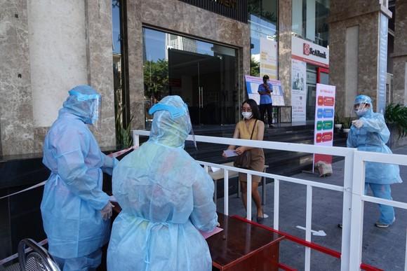 Đà Nẵng: Diễn tập bầu cử tại khu vực phong toả chung cư F-Home ảnh 4