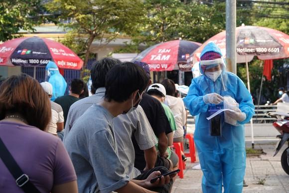 Đà Nẵng bắt đầu xét nghiệm SARS-CoV-2 đại diện hộ gia đình  ảnh 1